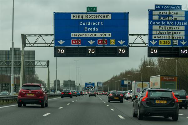 Olanda interzice efectuarea repausului in autovehicul
